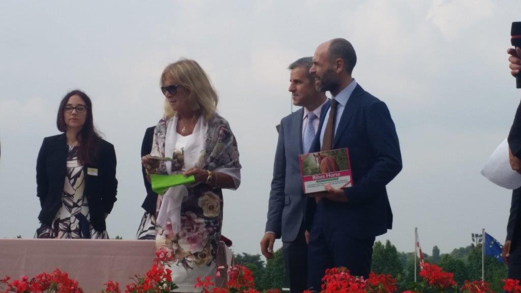 Premiazione-presidente-ANAC-Ribes-NBF